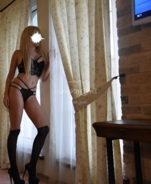 Sirandou sex dating & incall escort
