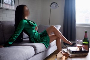 Tecla escort girl in Lewisburg