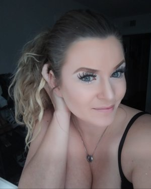 Margherita escort girl in Struthers