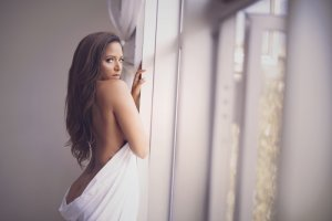 Analy escort girl in Leavenworth