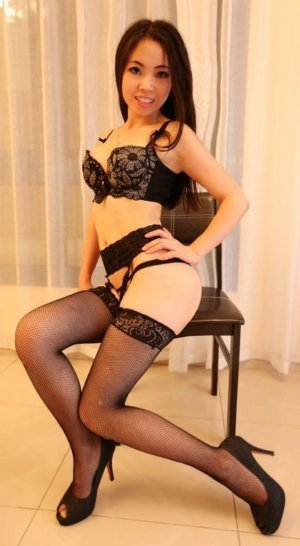 Ymene live escort in West St. Paul MN