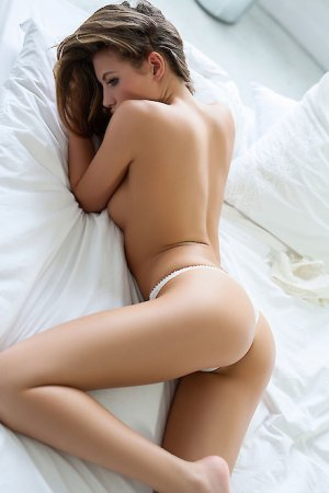 Marie-lyne sex party & escorts service